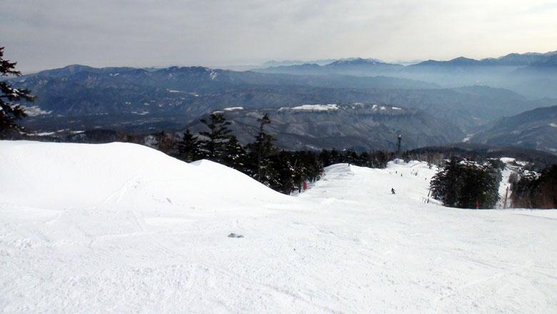 おんたけ2240スキー場のゲレンデ